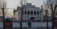 Цыганскі катэдж у Цітоўцы