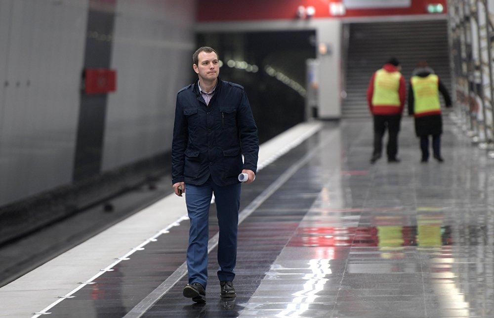 Першыя пасажыры на станцыі метро Мінская з'явіліся 16 сакавіка.