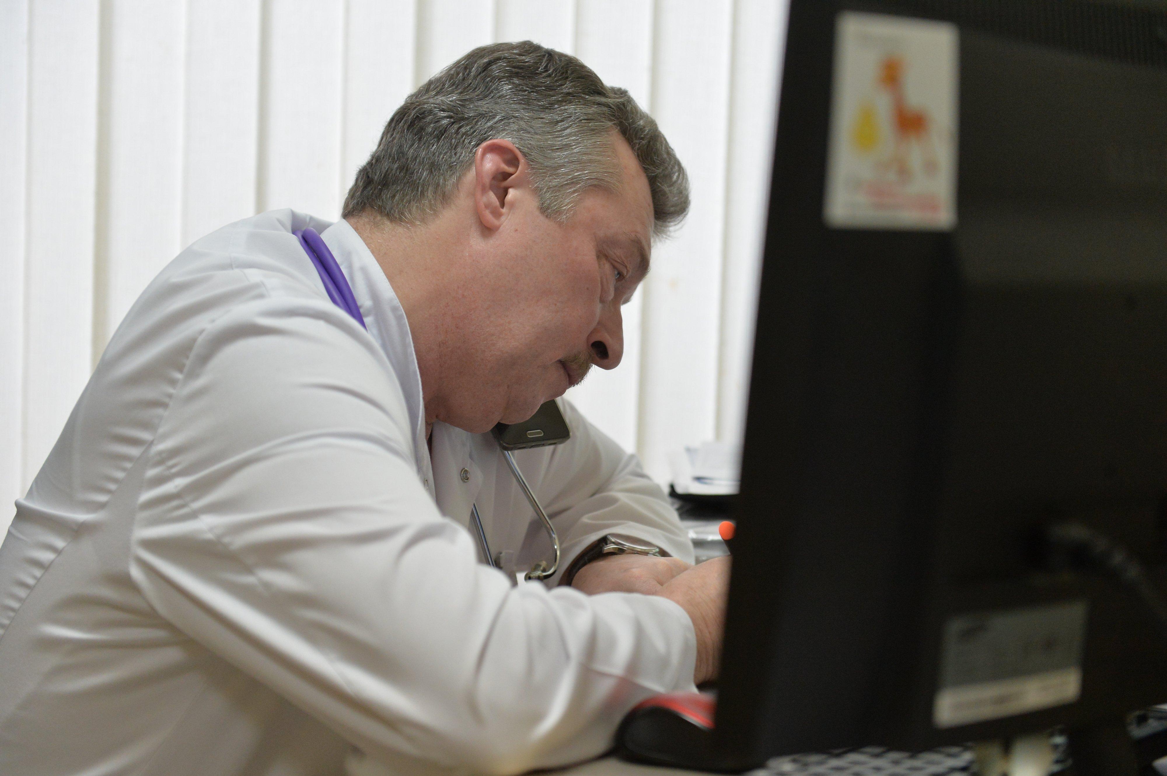 Консультации Чеснова просят не только родители, но и коллеги из других клиник