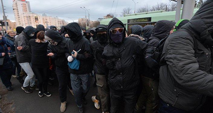 Анархисты после разрешенной акции Марш тунеядцев в Минске 15 марта