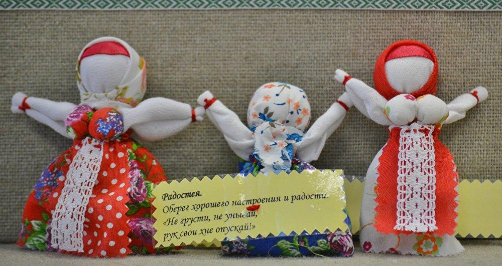 Лялькі-абярэгі: долю ды нарачонага наклікаюць, ад хвароб абараняюць