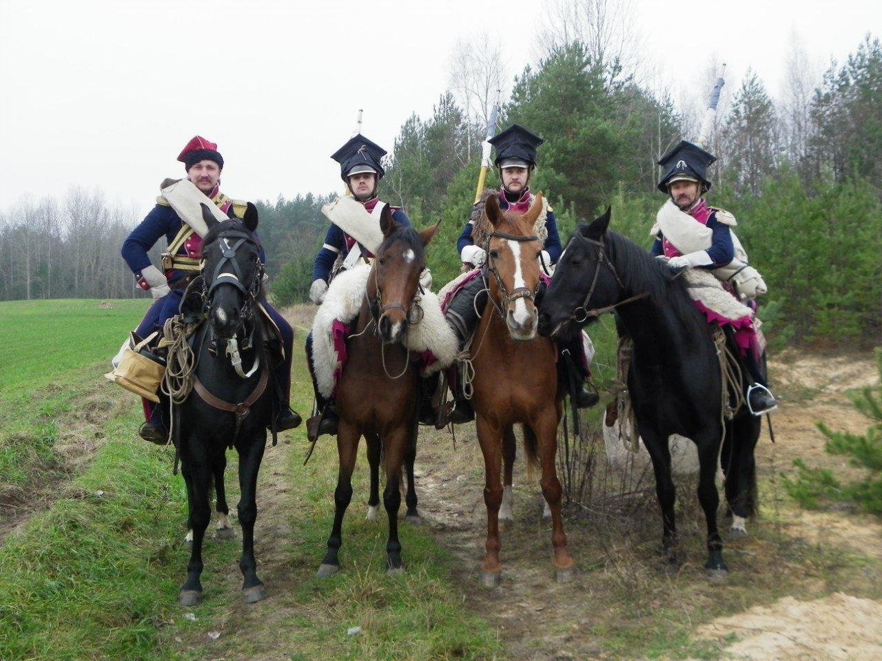 Военная историческая реконструкция без лошадей практически невозможна - ведь все сражения происходили верхом