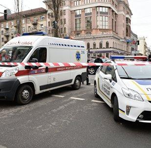 Автомобили экстренных служб на месте убийства бывшего депутата Госдумы РФ Дениса Вороненкова