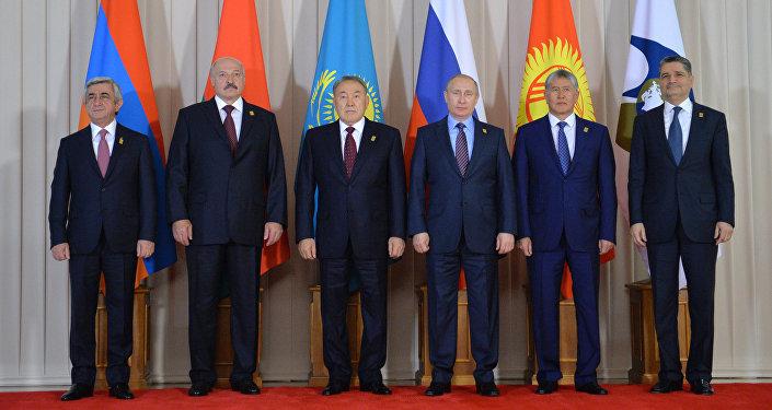 Лукашенко собирается вБишкек насаммит ЕАЭС