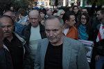 Владимир Некляев на пикете на площади Свободы, архивное фото