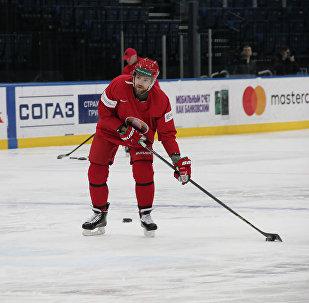 Льюис с нетерпением ждал встречи с белорусскими хоккеистами