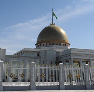Президентский дворец Огузхан в Ашхабаде