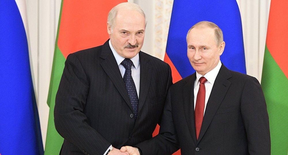 Президент РФ Владимир Путин и президент Беларуси Александр Лукашенко