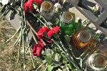 Минчане несут цветы к посольству России после теракта в Санкт-Петербурге