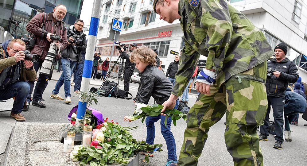 Грузовик, врезавшийся втолпу, был начинен взрывчаткой— Теракт вСтокгольме