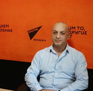 Вице-глава общественного объединения Белорусская цыганская диаспора Артур Гомонов