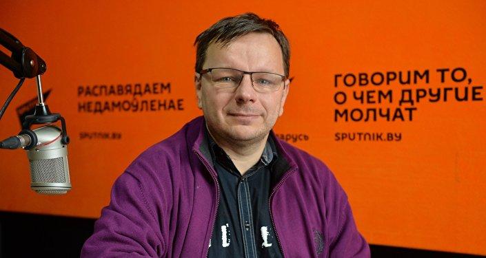 Писатель Андрей Жвалевский