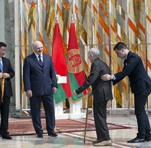 Церемония награждения ветеранов в музее ВОВ