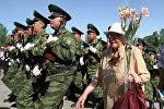 Военнослужащие Вооруженных сил Кыргызстана и ветераны ВОВ