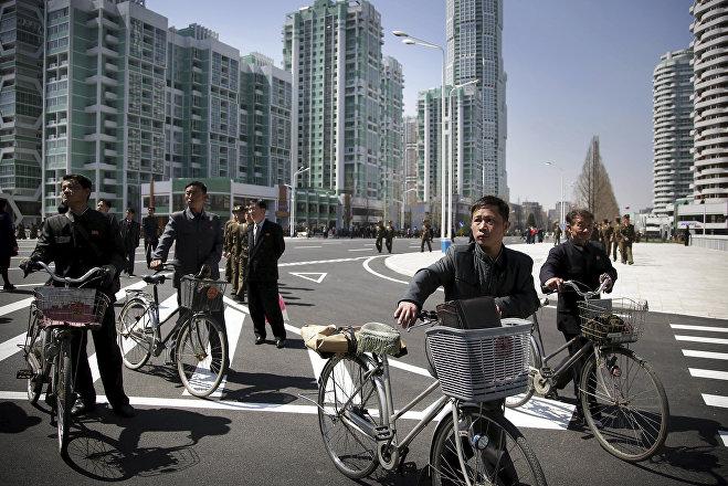 Ким Чен Ыноткрыл вПхеньяне улицу сжилыми высотками— Улица рассвета