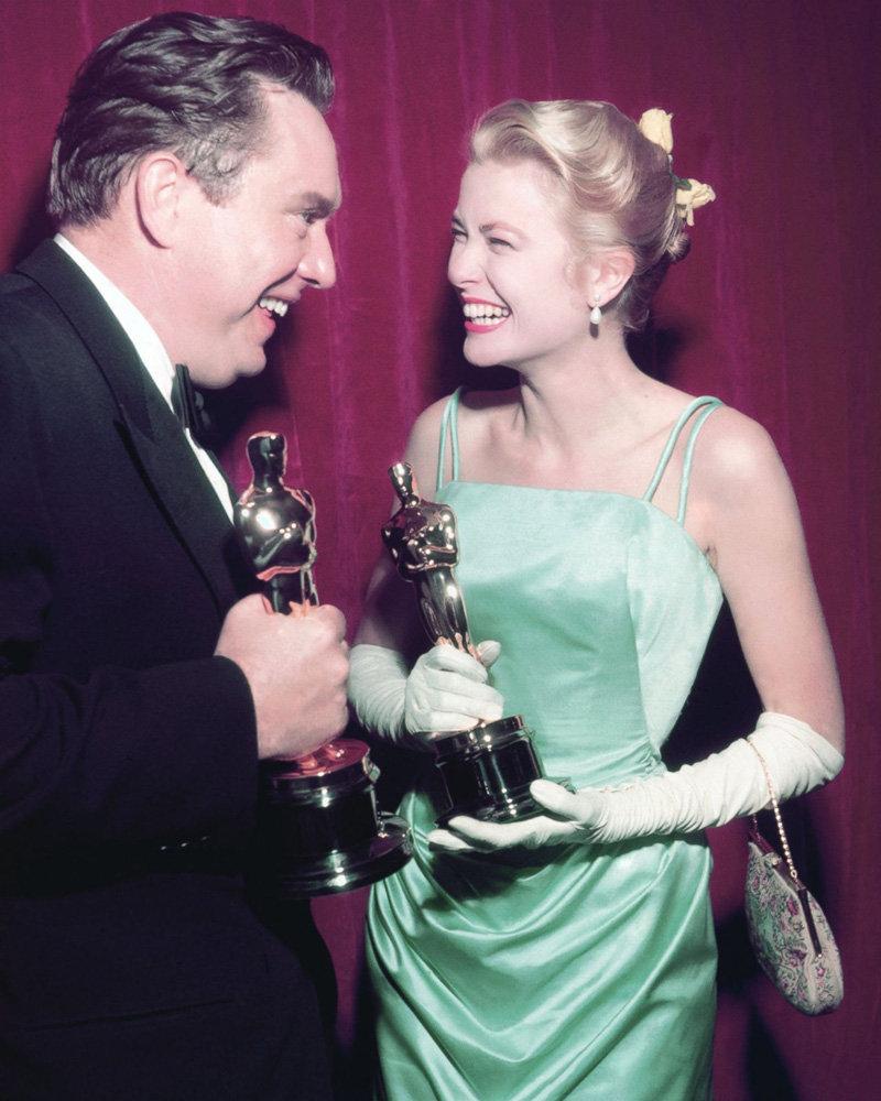 Грейс Келли получила Оскар в 1955 г.
