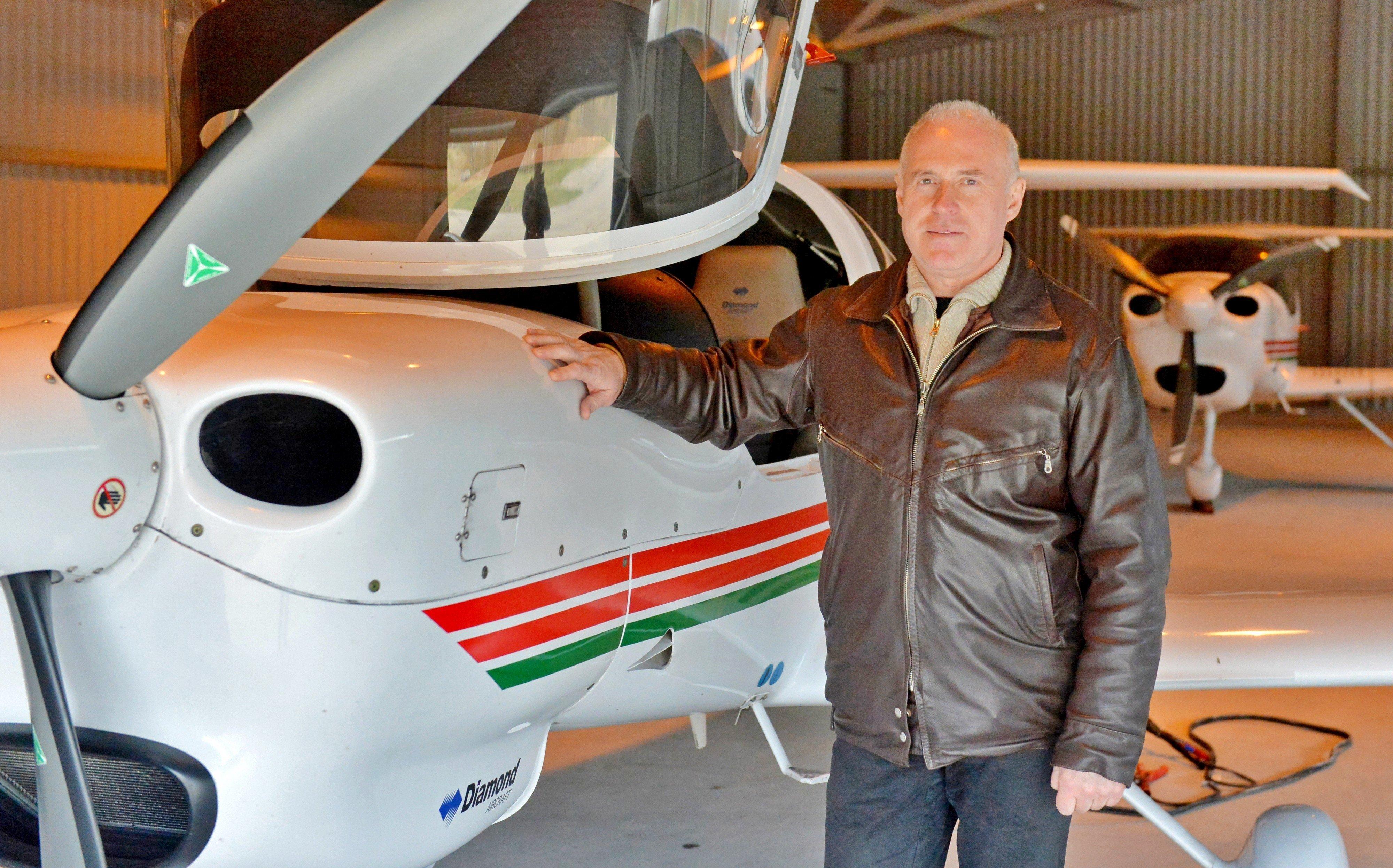 Для того, чтобы понять, для чего вам самолет, надо хотя бы однажды подняться в воздух, считает директор авиационного центра Даймонд Вадим Кирилюк