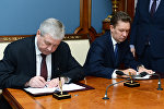 Председатель Правления ПАО Газпром Алексей Миллер и заместитель премьер-министра РБ Владимир Семашко подписали Протокол о порядке формирования цен при поставке природного газа в Беларусь