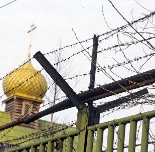 Храм на территории тюрьмы, архивное фото