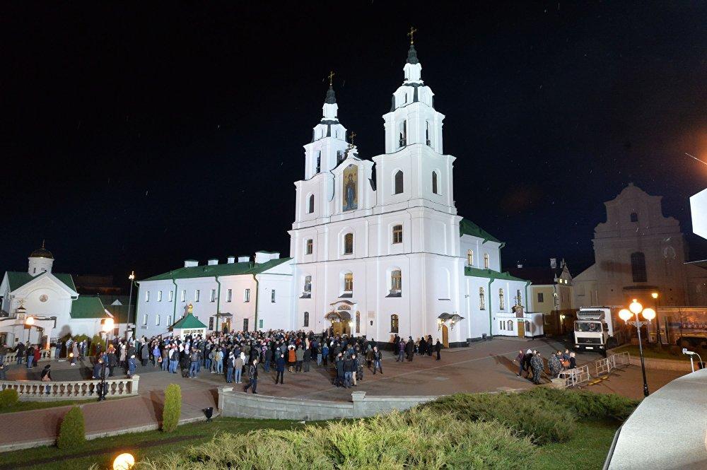 Велікоднае набажэнства ў мінскім Свята-Духавым Кафедральным саборы.