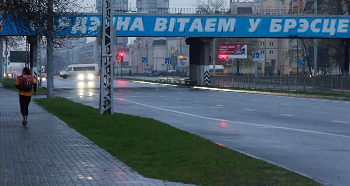 Спортсмен подкорректировал свой маршрут: расстояние от Гомеля до Бреста он преодолел не за 10, а за 11 дней, чтобы каждый день заканчивался остановкой в городе