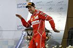 Победитель Гран-при Бахрейна Себастьян Феттель