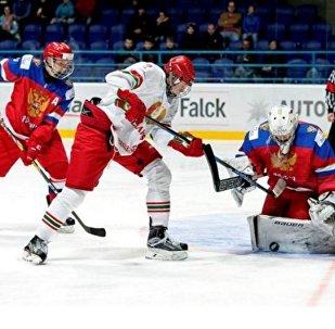 Матч Беларусь - Расія на юніёрскім ЧС у Славакіі