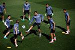 Игроки мадридского Реала на тренировке