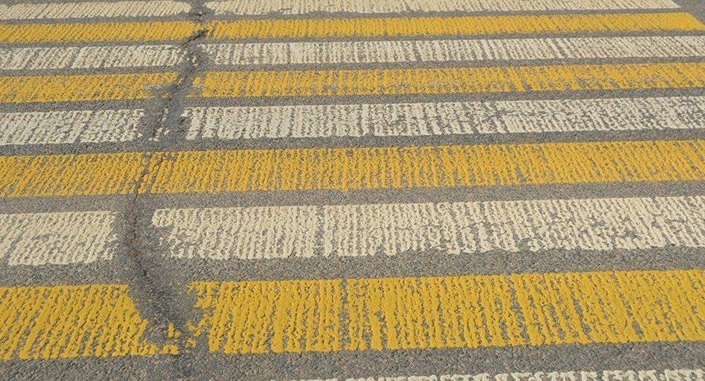 Пешеходный переход, архивное фото