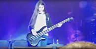Видеофакт: сын басиста Metallica сыграл на сцене вместе с Korn