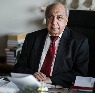 Научный руководитель Института всеобщей истории (ИВИ) РАН и сопредседатель Российского исторического общества Александр Чубарьян