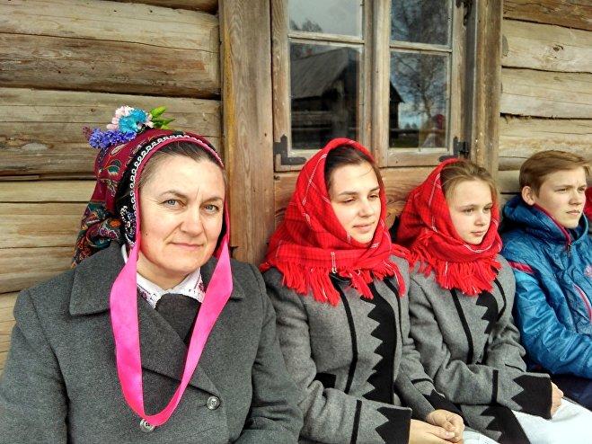 Лізавета Пятроўская і гурт Вянок з Ракава