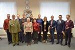 Англійская амбасада ўзнагародзіла нашчадкаў беларускіх андэрсаўцаў