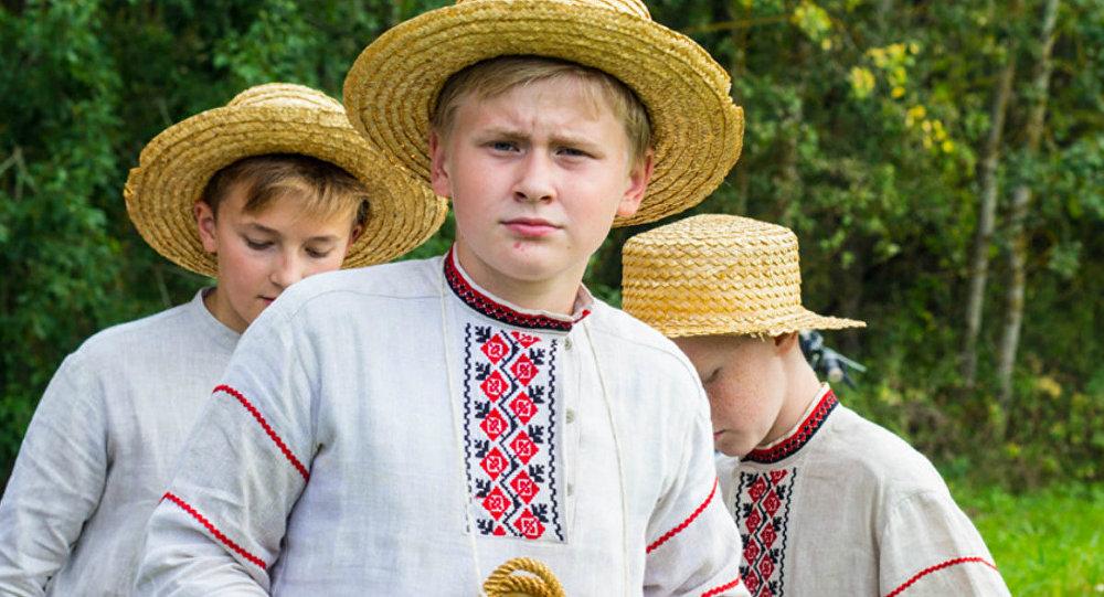 Выканаўцы народнай песні на фестывалі Камяніца-2016