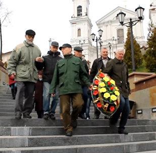 26 апреля в Витебске: служба в Храме и венок на Двине
