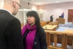 Косинеров с матерью в зале суда
