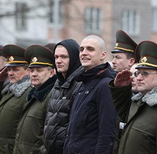 Построение призывников в Минском городском военкомате