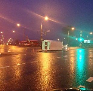 ДТП в Минске - перевернулся микроавтобус