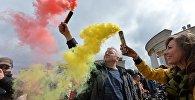 29 красавіка ў сталічным парку Dreamland прайшоў першы дзень Фестывалю каляровага дыму, які арганізоўвае арт-праект Разам Запальваем з Санкт-Пецярбурга