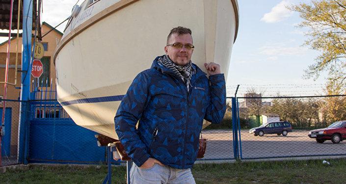 Дзмітрый Суяркоў за пяць гадоў ўласнаручна пабудаваў яхту
