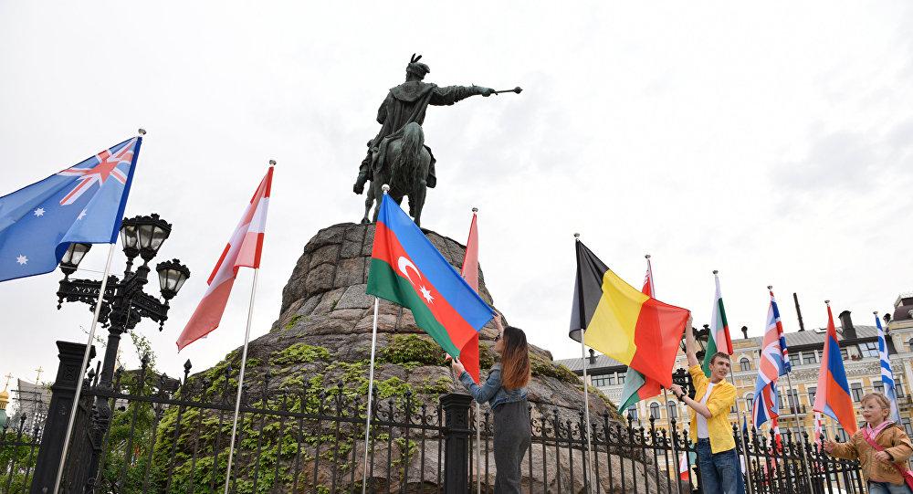 Накостюмы ведущих «Евровидения» потратили практически 900 000 uрн