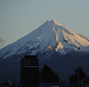 Вулкан Тарантаки в Новой Зеландии, архивное фото