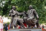 Памятник Дунину-Марцинкевичу и Монюшко открыли в Минске