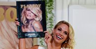 Плеймейт Дэни Мэтэрс с новым выпуском журнала Playboy, 14 мая 2015