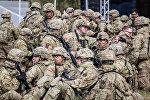 Солдаты НАТО, архивное фото