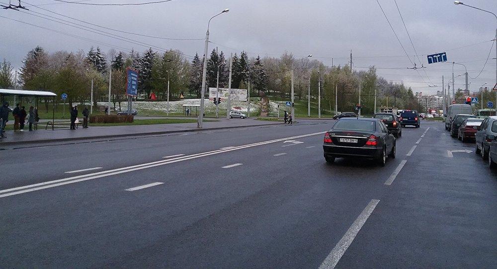 ГАИ разрешает водителям вРеспублике Беларусь ездить налетней резине поснегу