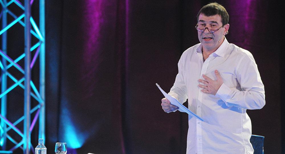 Режиссер и драматург Евгений Гришковец выступает на открытом вечере