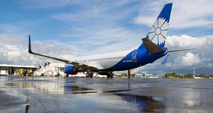Самолет Белавиа в аэропорту Жуляны
