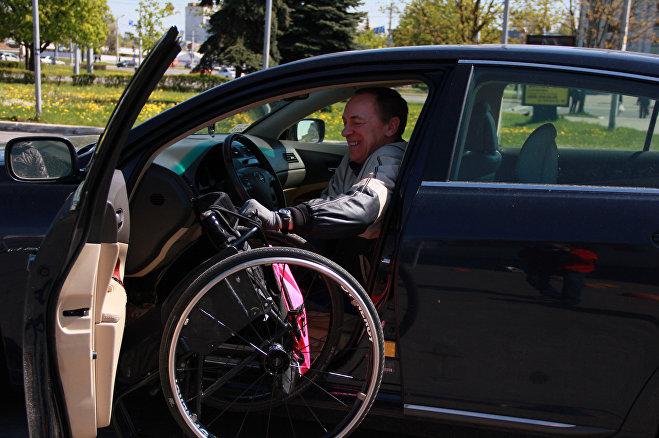 До наступления холодов раз в месяц колясочники будут инспектировать парковки