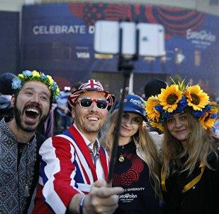Фанаты перед началом Евровидения